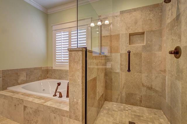 bathroom-389262_640
